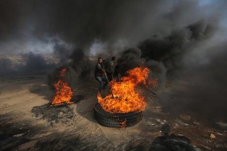 Israel destrói prédio que abriga Associated Press e Al Jazeera na Faixa de Gaza