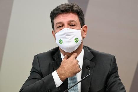 Mandetta diz que enviou carta a Bolsonaro com alerta; Renan impede leitura