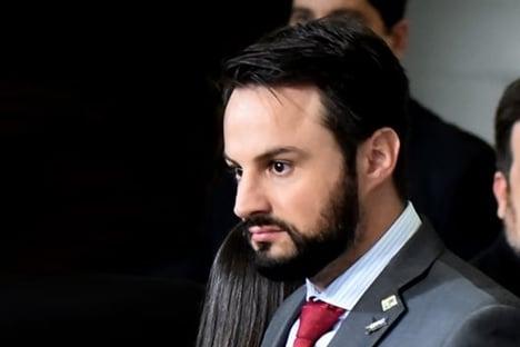 CPI da Covid convoca secretário olavista ligado a Flávio Bolsonaro