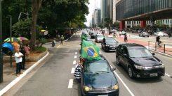 Paulista de verde e amarelo contra Bolsonaro