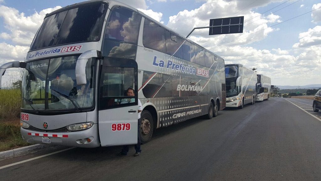 [Imagem: uploads%2F1460682225683-boliviano+onibus.jpg]