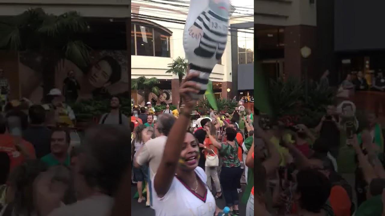 Vídeo: 'Lula ladrão, teu lugar é na prisão'