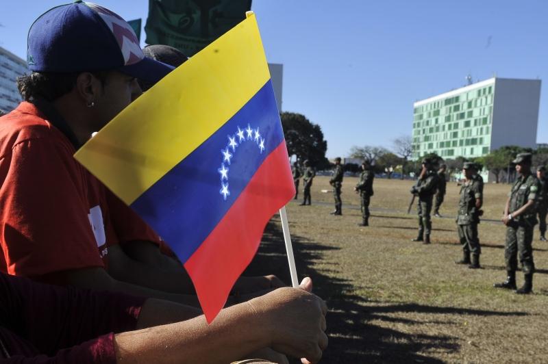 Venezuelanos nas ruas