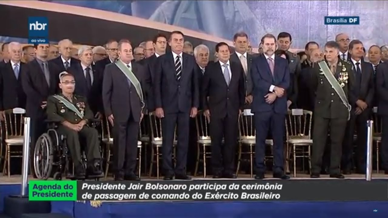 Ao vivo: Bolsonaro assina decreto da posse de armas