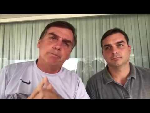 Vídeo em que Bolsonaro critica foro privilegiado ao lado de Flávio volta a circular