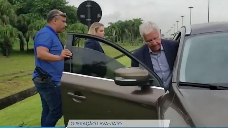 Carro de Moreira Franco também foi interceptado