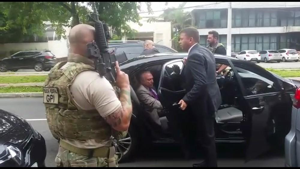 Carro de Temer foi interceptado pela polícia