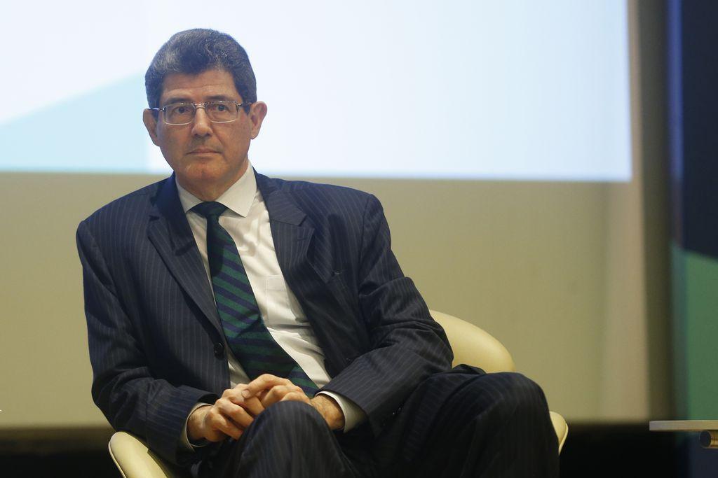 LEVY ENTREGA CARTA DE DEMISSÃO A GUEDES