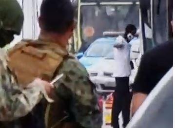 VÍDEO: Veja o momento em que o sequestrador é atingido