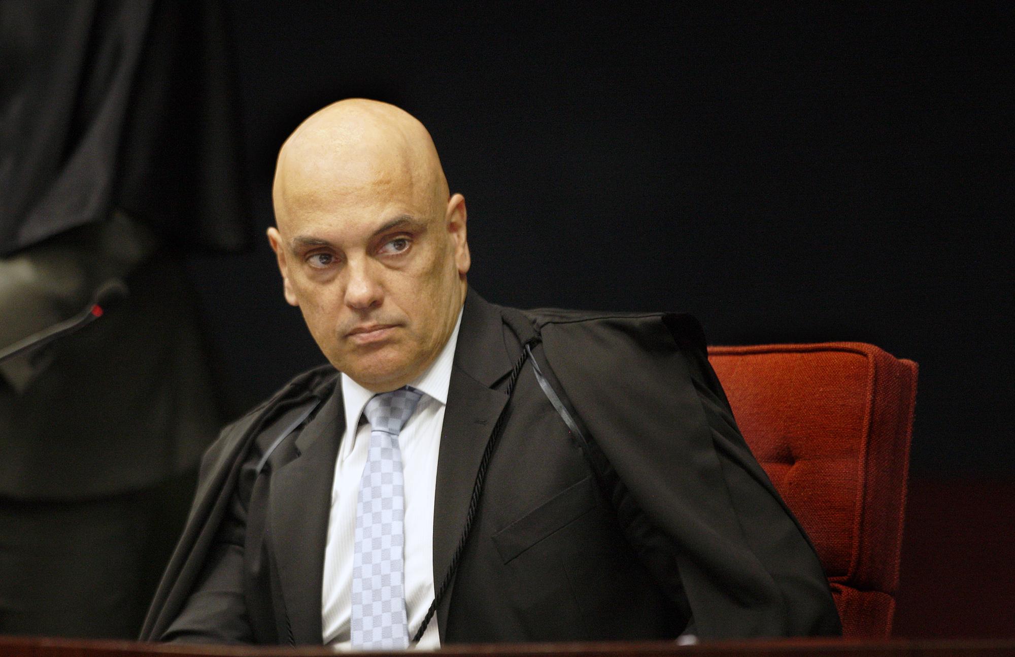 URGENTE: Alexandre de Moraes suspende nomeação de Ramagem na PF