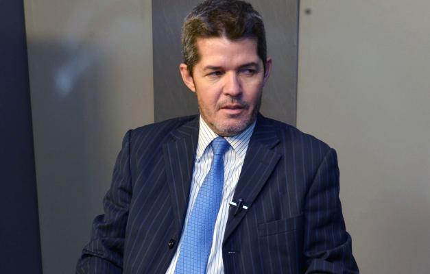 """VÍDEO: """"Bolsonaro oferece fundo partidário, oferece cargos"""", diz Waldir"""