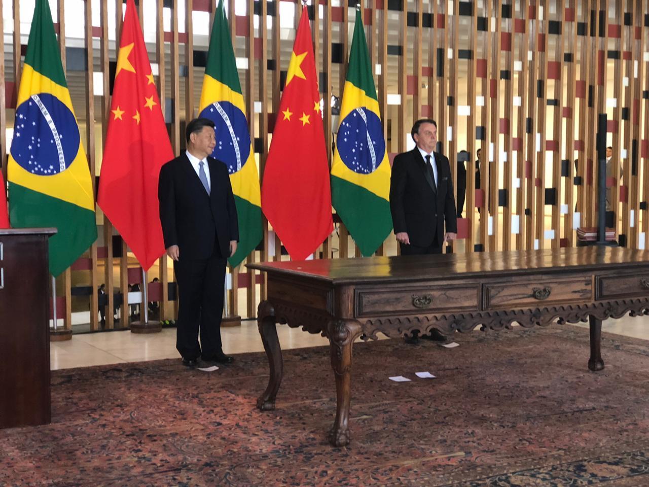 """Vídeo: """"Vamos estreitar o intercâmbio entre os nossos povos"""", diz Xi Jinping"""
