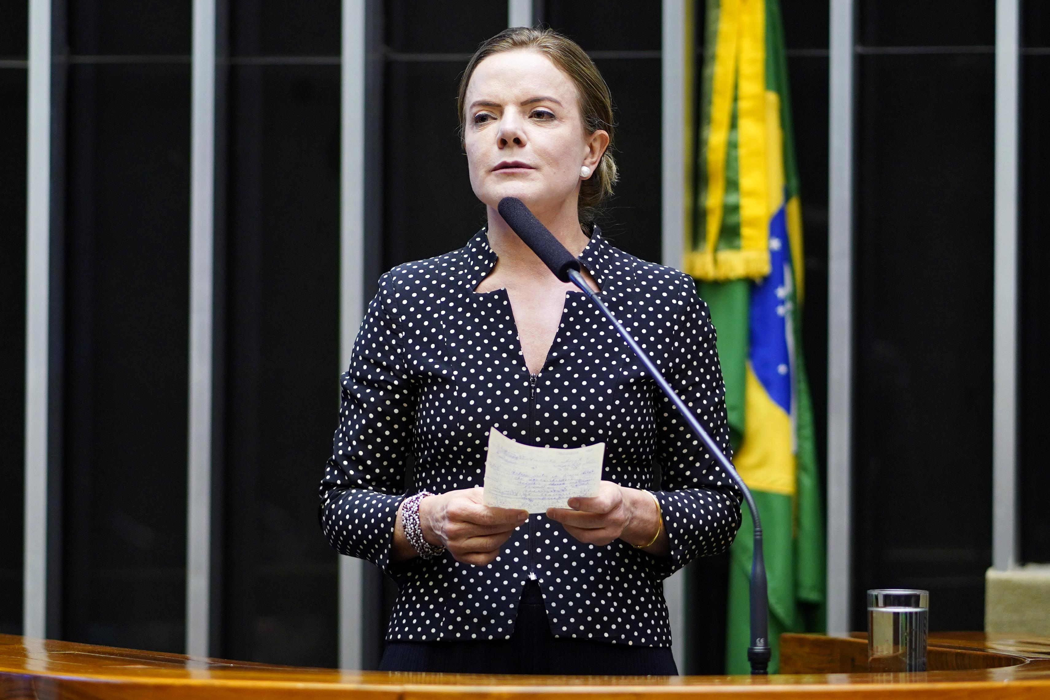 PT entra com pedido de impeachment de Bolsonaro