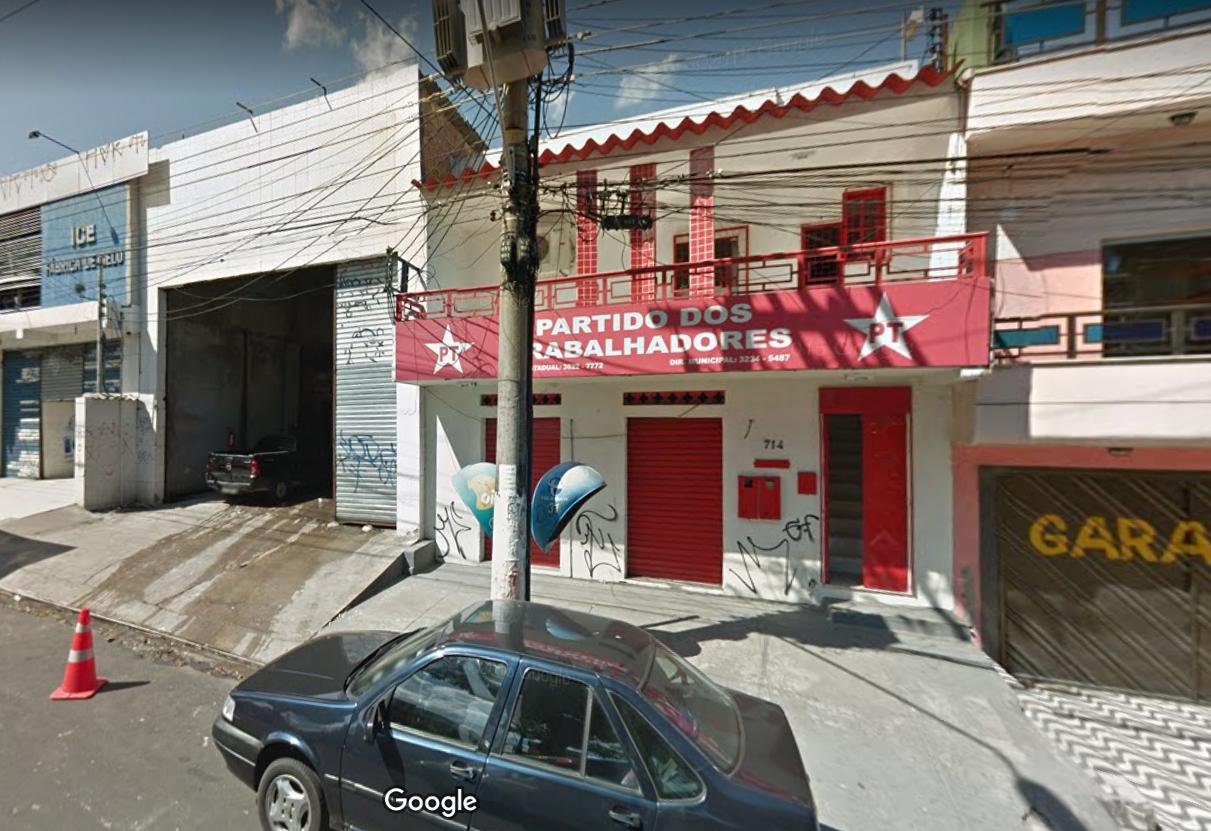 PT de Manaus faz 'gato' e tem energia cortada