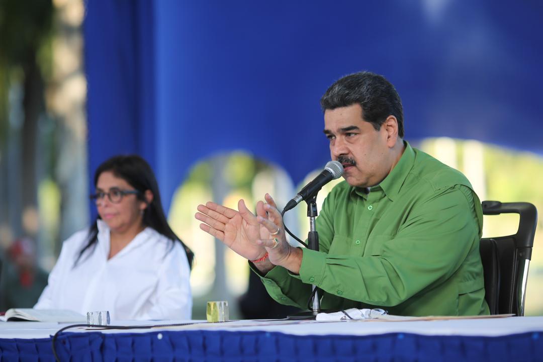 Maduro diz que coronavírus é 'arma de guerra biológica' contra a China