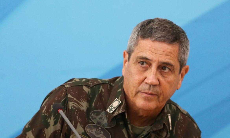 Braga Netto sugeriu mudança de coletiva sobre coronavírus para alinhar esforços e evitar 'racha'