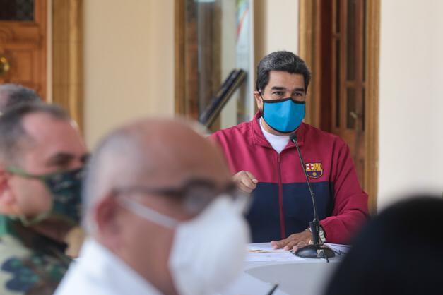 Oposição anuncia boicote a eleição parlamentar na Venezuela