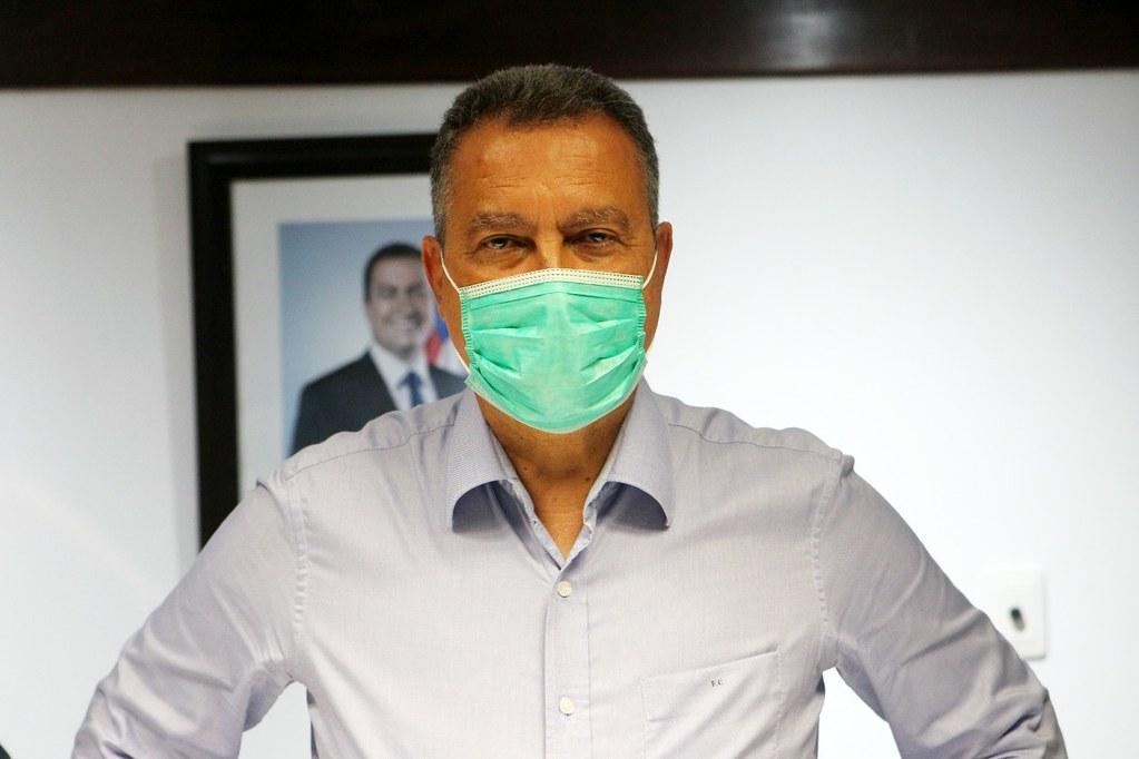 Governador da Bahia defende toque de recolher
