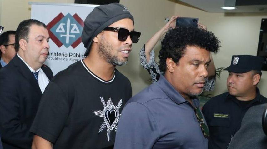 Justiça do Paraguai mantém prisão domiciliar de Ronaldinho Gaúcho