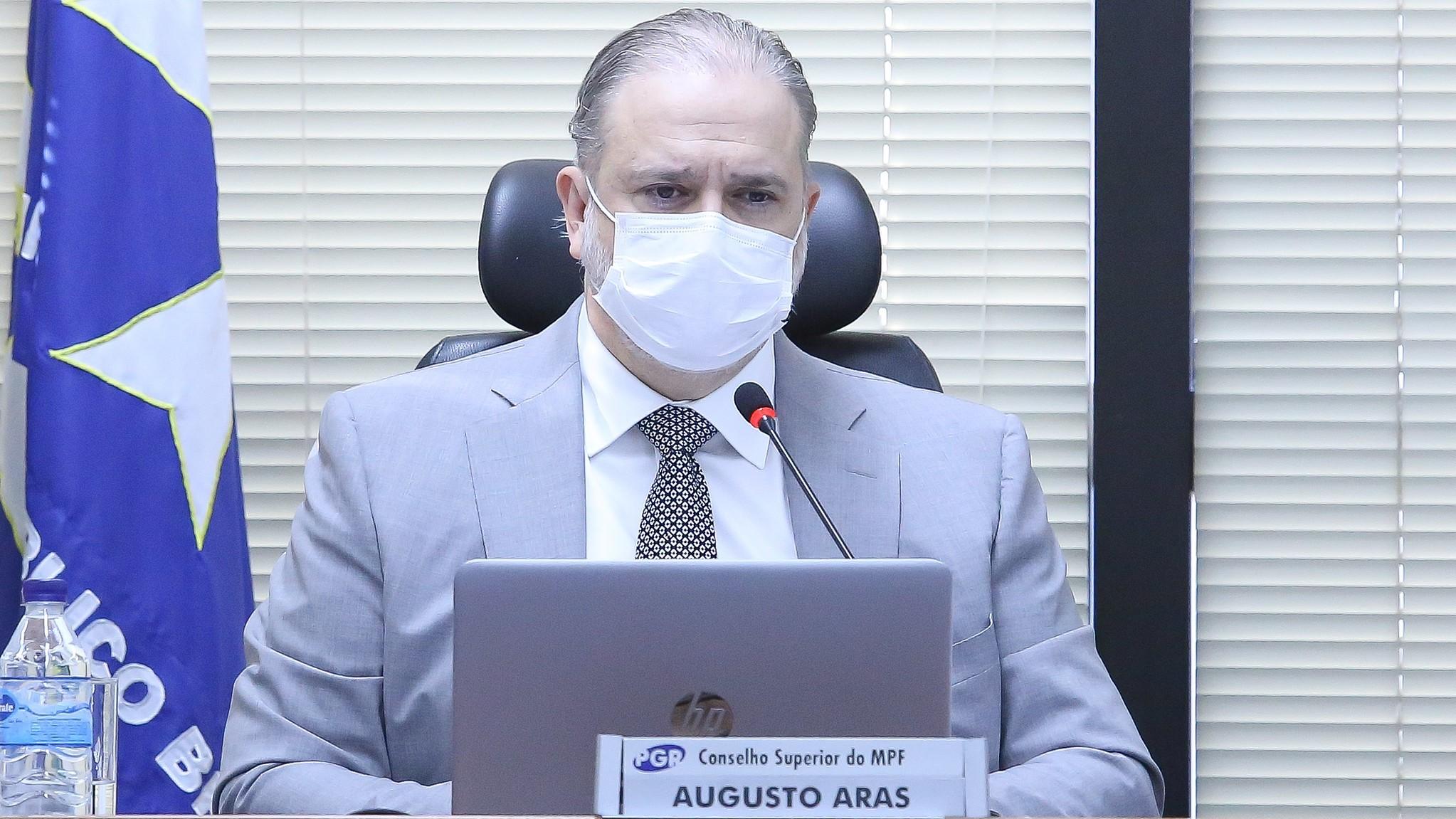 Aras diz não ver irregularidade em convocação de governadores pela CPI da Covid