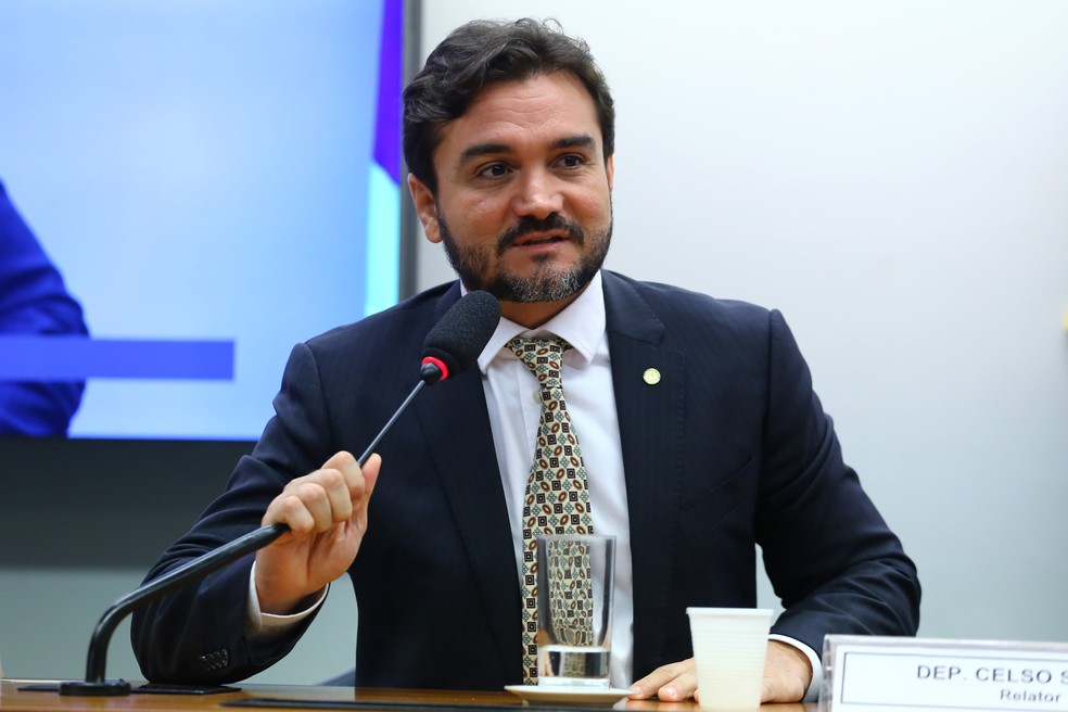 Aliado de Aécio não terá direito a voto na definição das prévias do PSDB