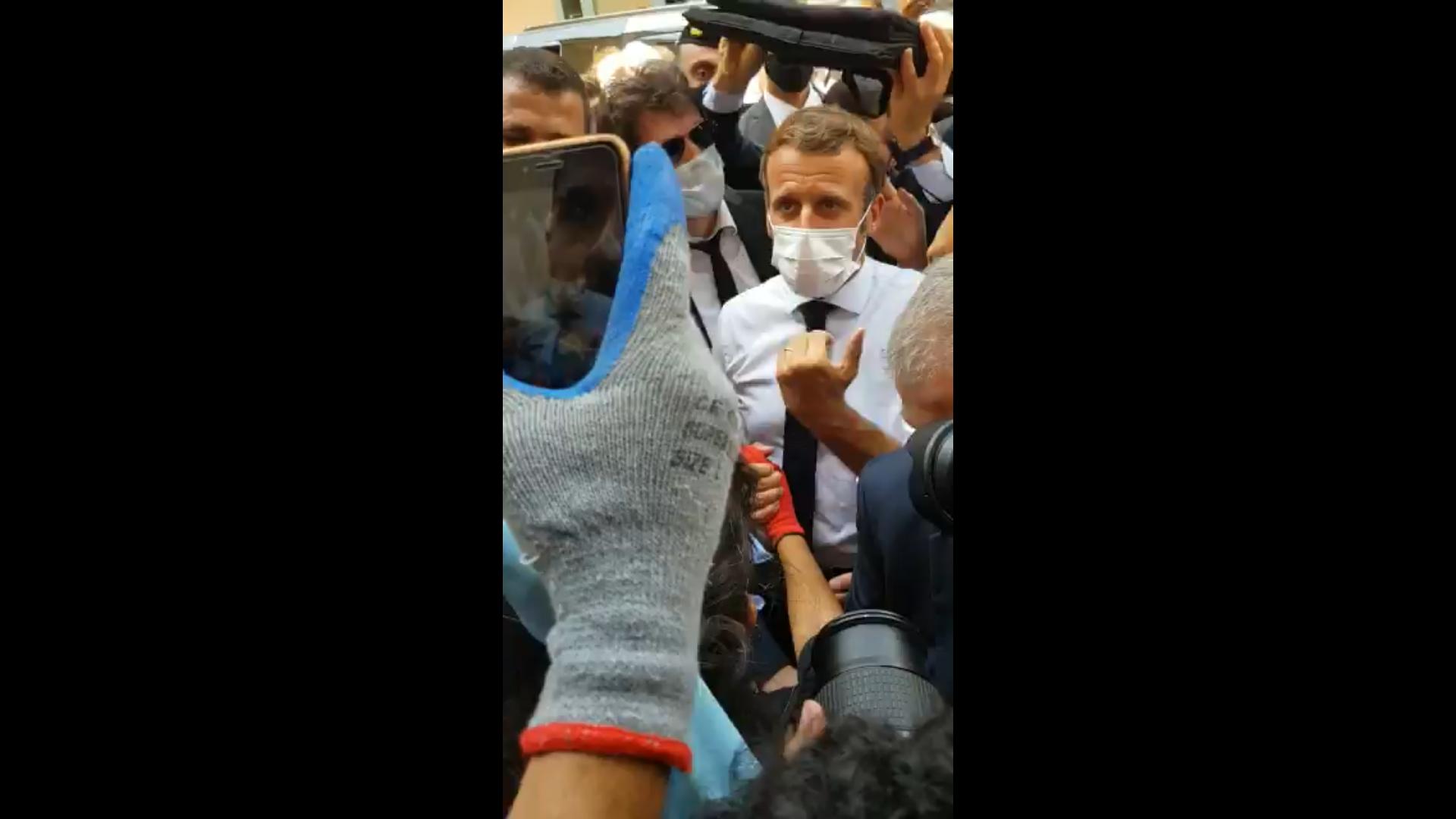 Vídeo: em Beirute, Macron diz que é preciso 'mudança política' no Líbano