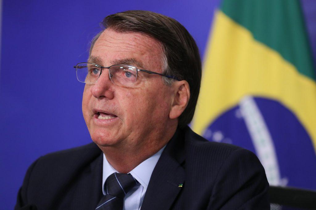 """Bolsonaro: """"Vamos, se Deus quiser, influir na presidência da Câmara"""""""