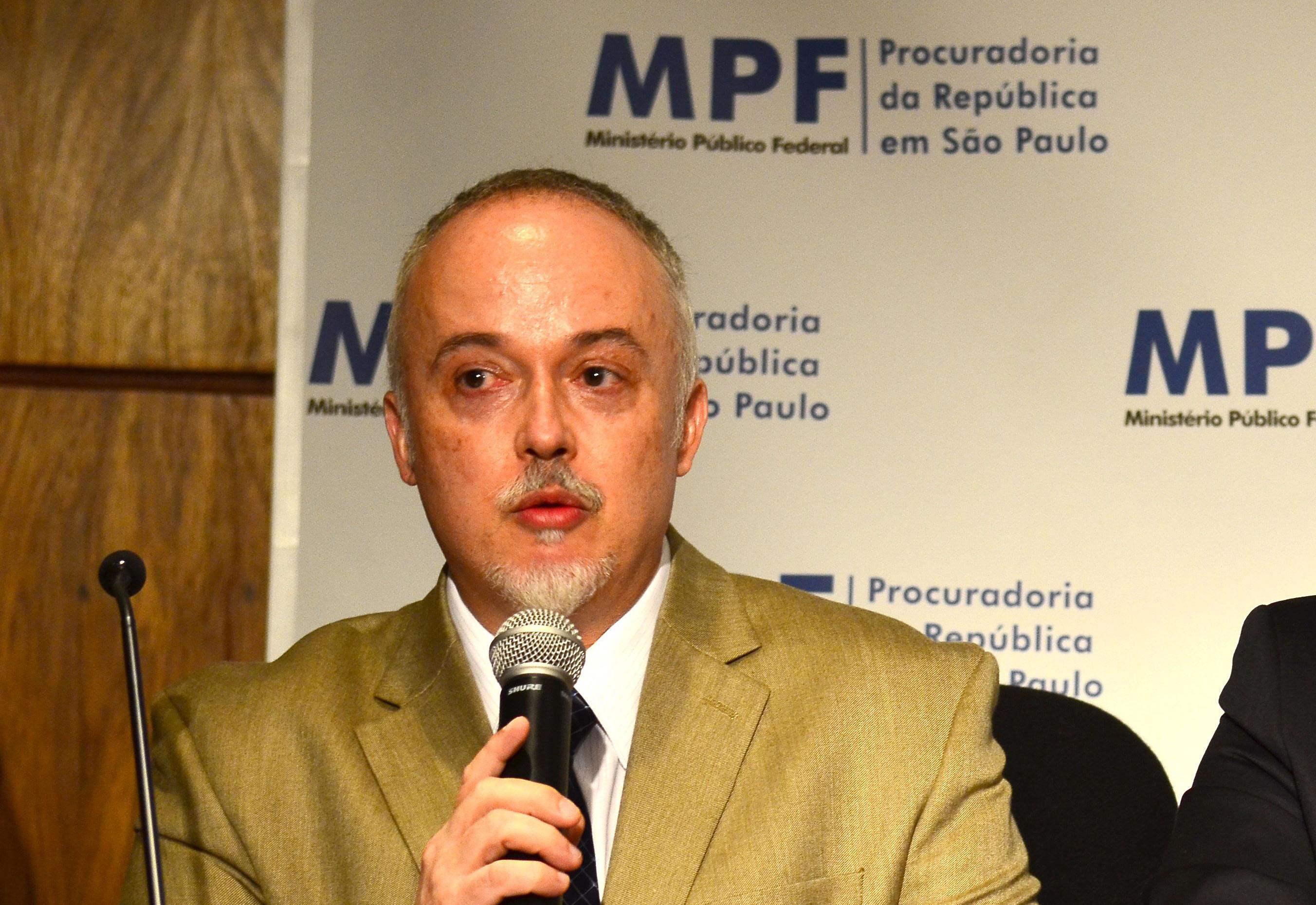 Carlos Fernando Lima: A mentira como método