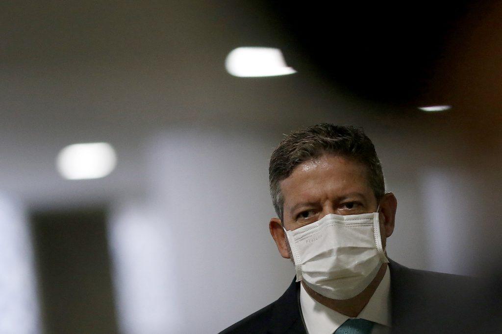 "Mudança na Lei da Ficha Limpa ""vai voltar à discussão"", diz Lira"