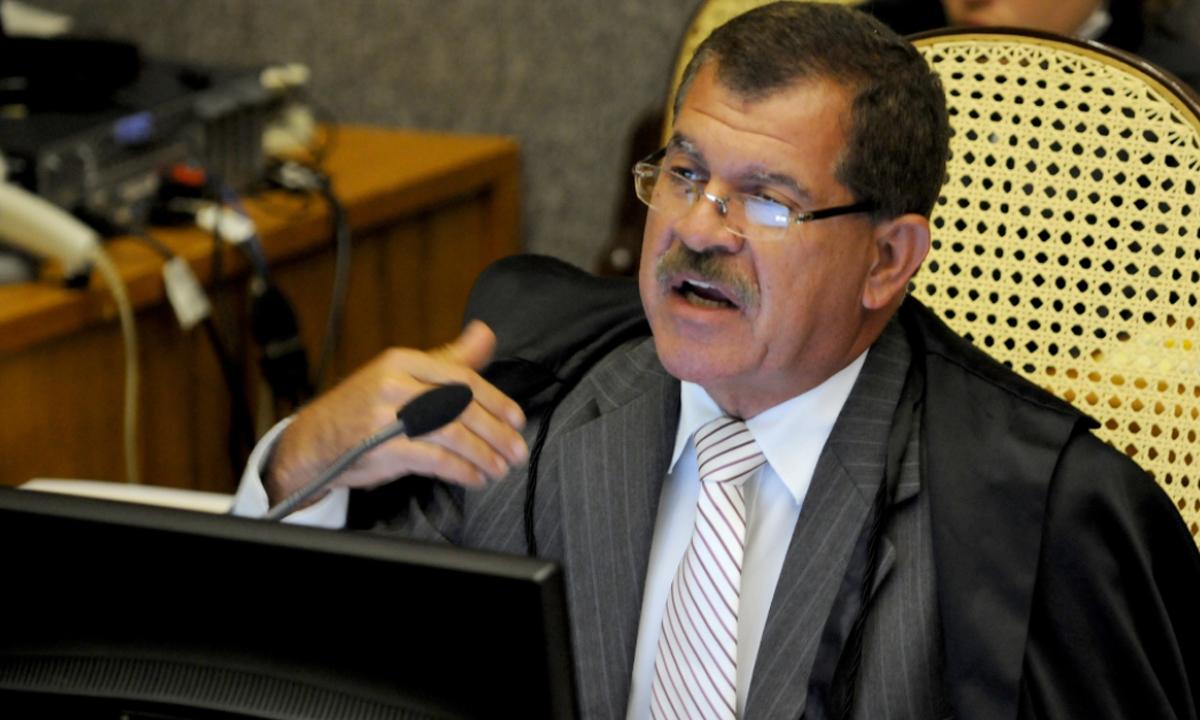 Recurso que contesta inquérito de bolso de Humberto Martins está parado no STF