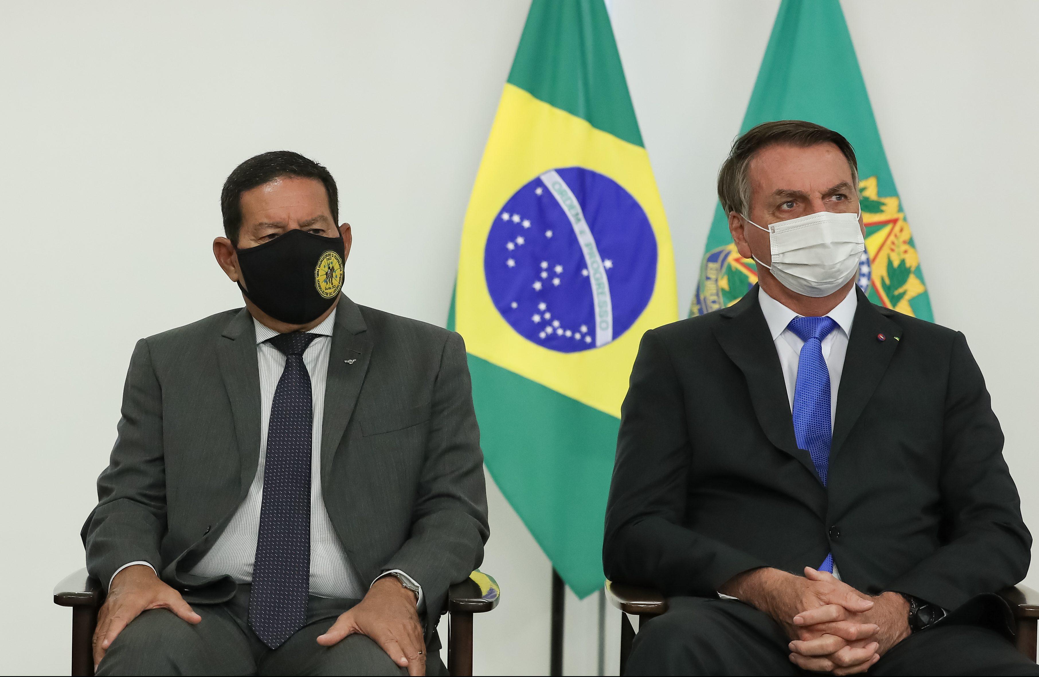 """Mourão diz que Judiciário tem que compreender """"o tamanho da sua cadeira"""""""