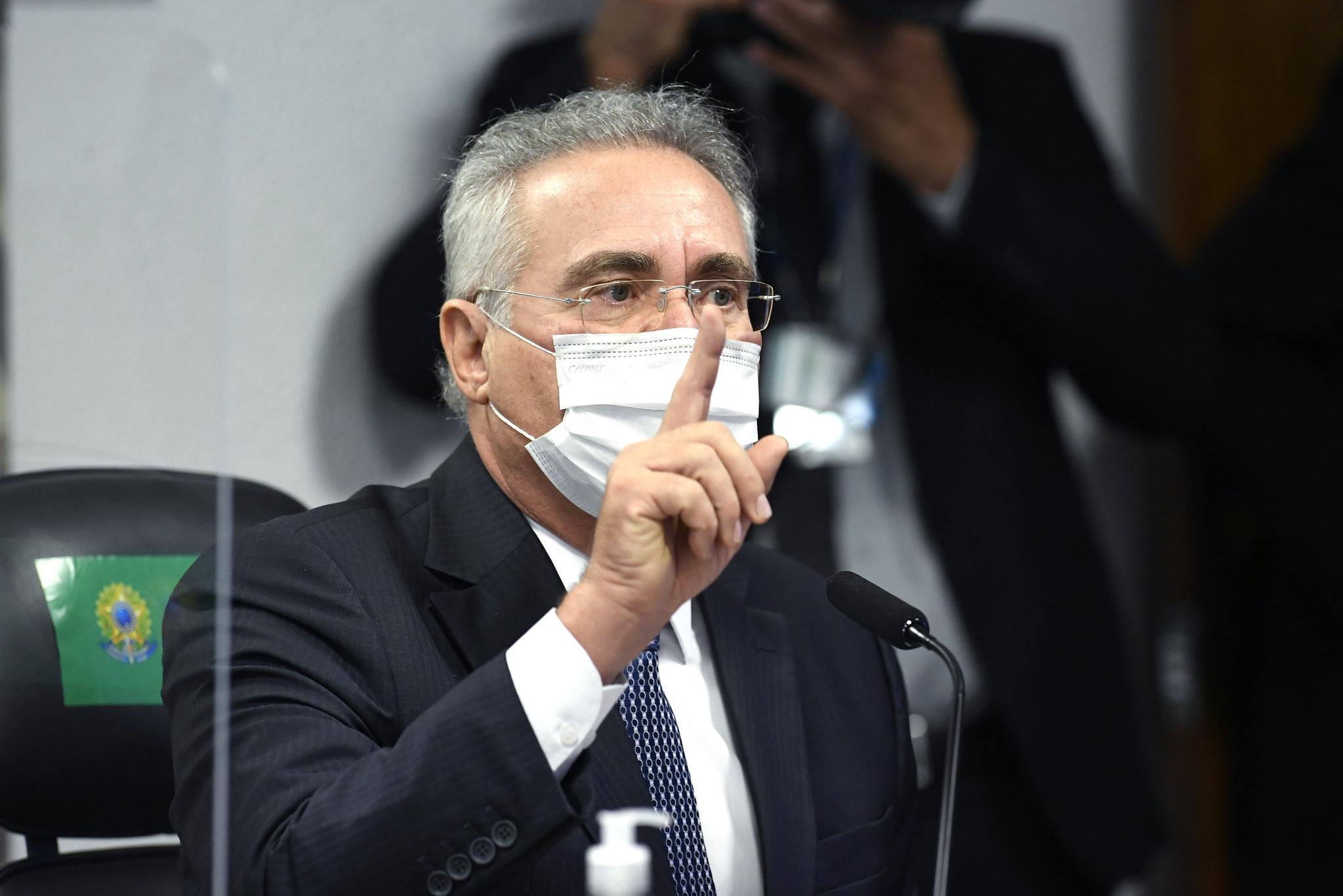 Barroso prorroga prazo de investigação da PF contra Renan