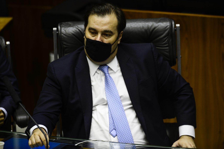 DEM expulsa Rodrigo Maia, que chama ACM Neto de 'Torquemada'