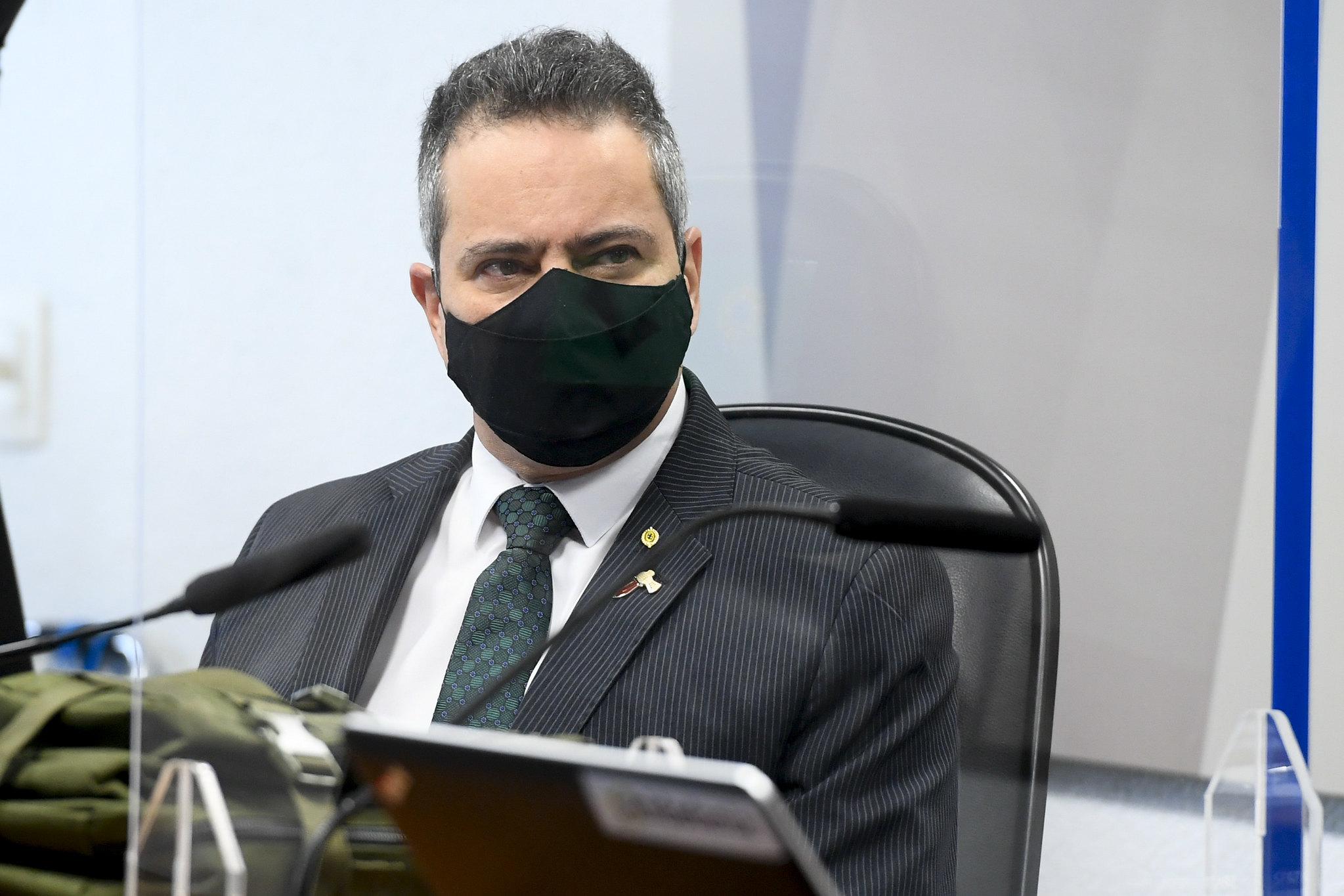 CPI da Covid quebra sigilos de Elcio Franco