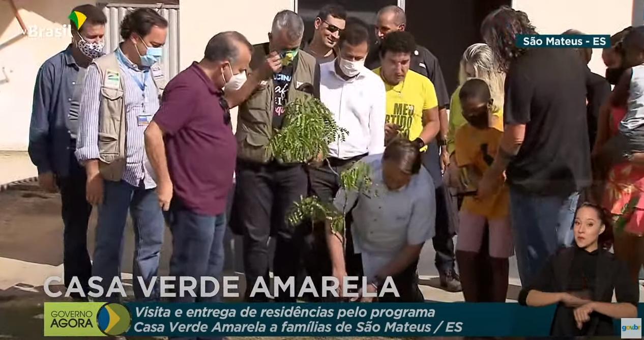 Em meio à pandemia, Bolsonaro vai ao Espírito Santo plantar uma árvore