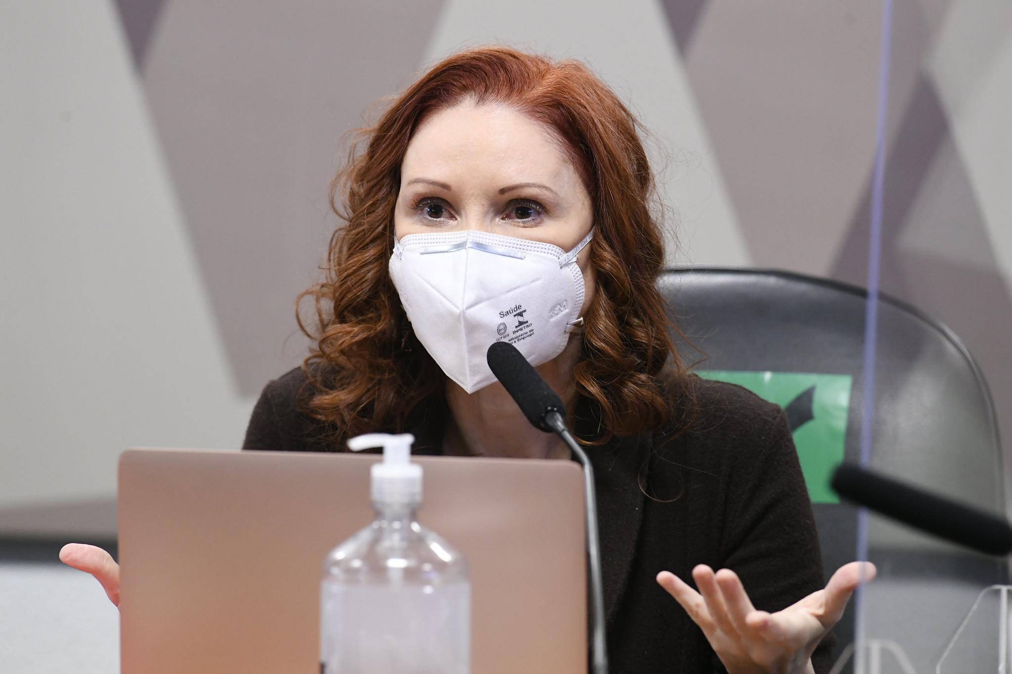 Natalia Pasternak diz à CPI da Covid que Bolsonaro estimulou comportamento de risco na pandemia