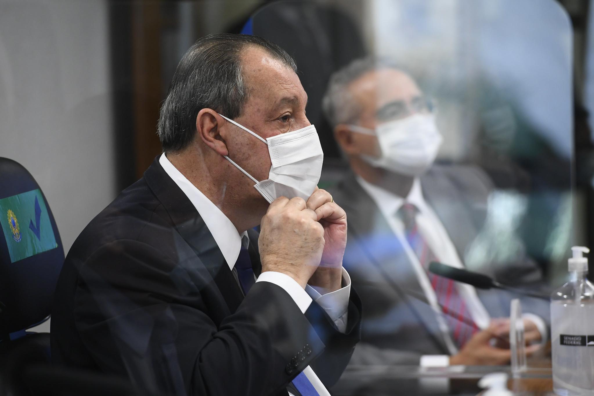 """""""Uma cidade como Macapá se acabou na pandemia"""", diz Omar Aziz"""