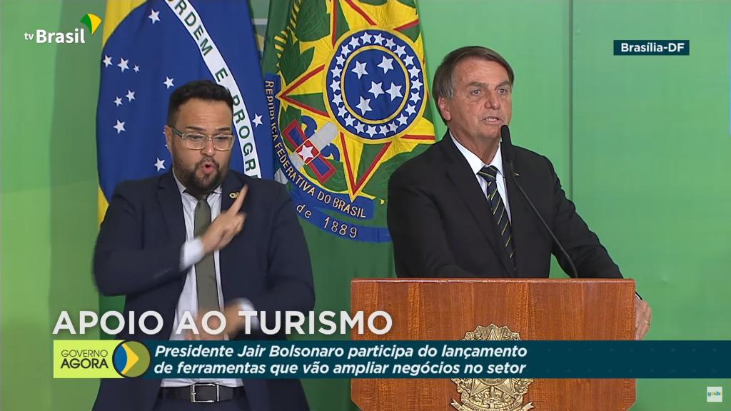 Bolsonaro: Queiroga vai assinar parecer para pessoas que já foram infectadas não usarem máscara