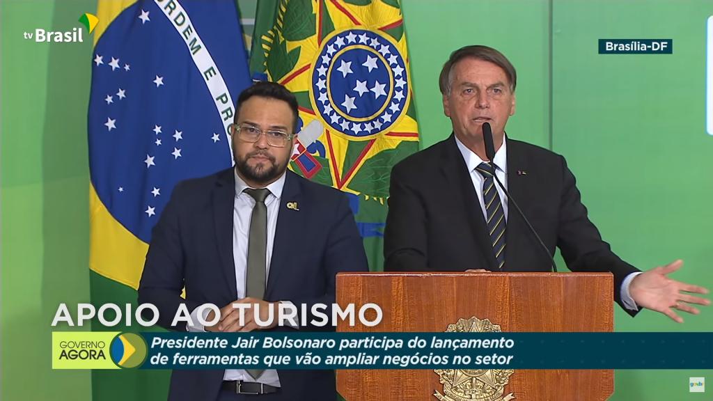 Bolsonaro chama eleição no Peru de 'coisa esquisita'