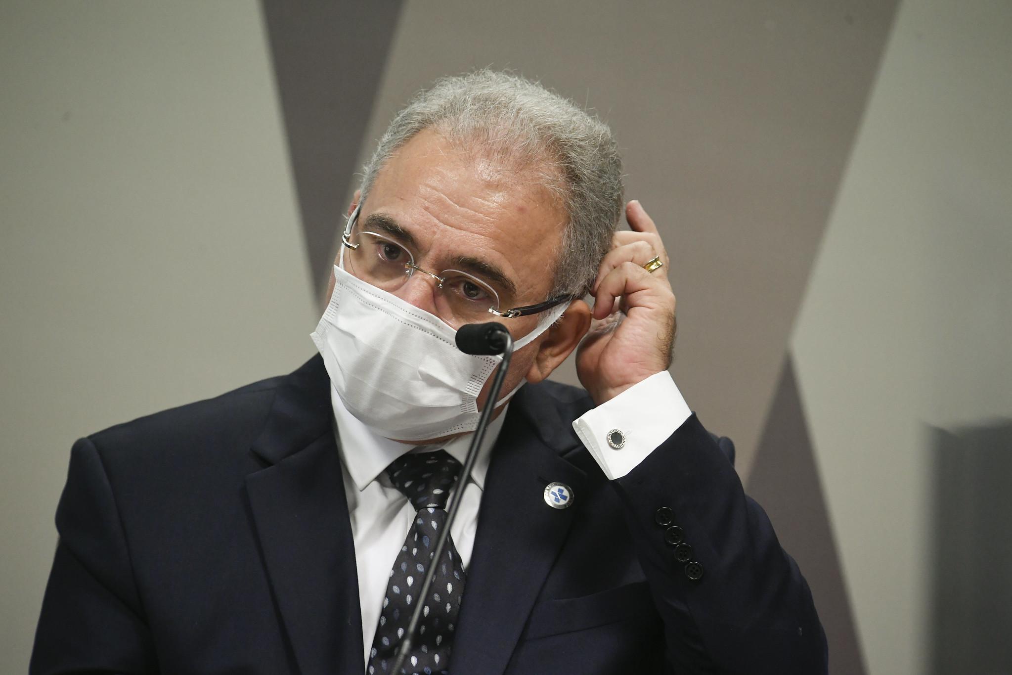Saúde diz que vai encomendar 'estudo', e não parecer, sobre desobrigação do uso de máscaras